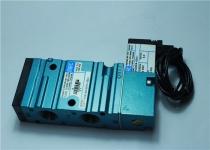 KV6-M7171-10X 雅马哈 YAMAHA 电磁阀电源